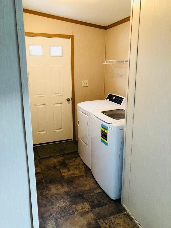 Separate Laundry Room w/Appliances