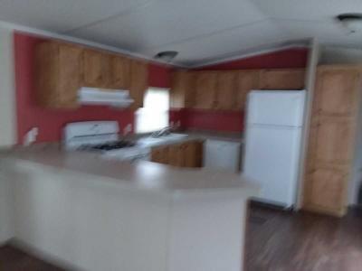 Mobile Home at Beacon Oskaloosa Road Beacon, IA 52534