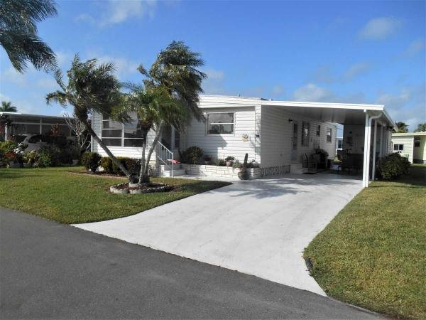 Mobile Home at 262 Hamlin Drive, Fort Myers, FL