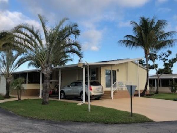 Mobile Home at 4071 68th Street N Site 815, West Palm Beach, FL