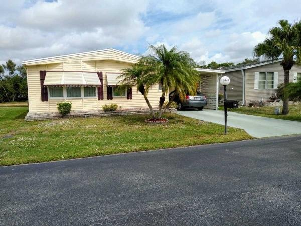 Mobile Home at 3373 Nine Iron Ct, North Fort Myers, FL