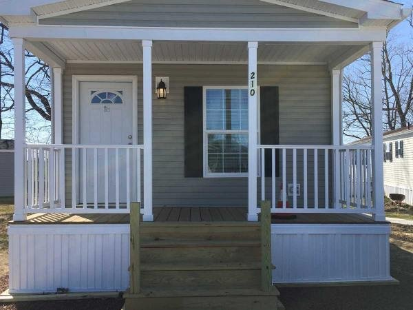 Mobile Home at 194 Amber Circle, New Holland, PA