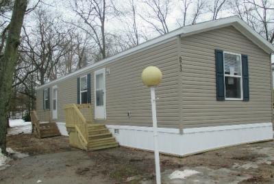 Mobile Home at 6943 Sandwood Rockford, MI 49341
