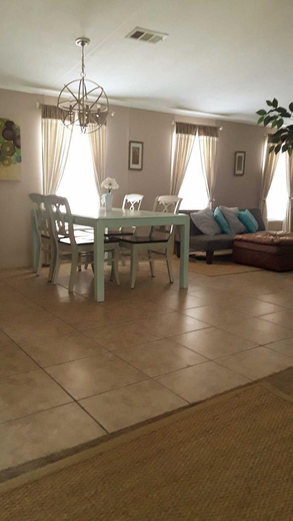 Senior Retirement Living 2001 Liberty Mobile Home For