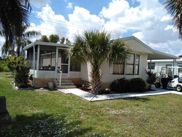 Mobile Home at 3326 Heritage Lakes Blvd, North Fort Myers, FL