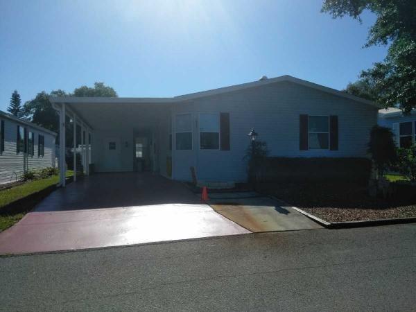 Mobile Home at 640 Klickety Klak Lane, Valrico, FL