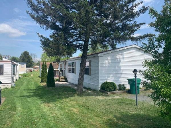 Mobile Home at 6 Big Spring Terrace, Newville, PA