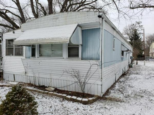Senior Retirement Living - 1978 Fairmont Mobile Home For ... on vacation homes, mega homes, colorado homes, multi-family homes, movable homes, metal homes, ranch homes, stilt homes, victorian homes, townhouse homes, brick homes, prefabricated homes, miniature homes, awnings for homes, portable homes, prefab homes, old homes, unique homes, rv homes, trailer homes,