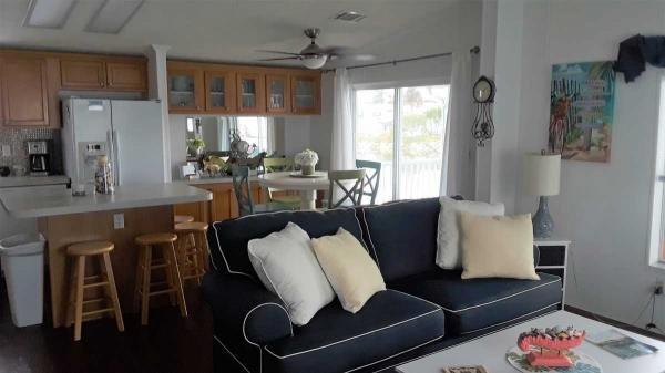 Senior Retirement Living 2003 Skyline Manufactured Home For Sale In Fort Myers Beach Fl