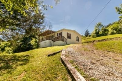1761 GOODWATER RD Bybee, TN 37713