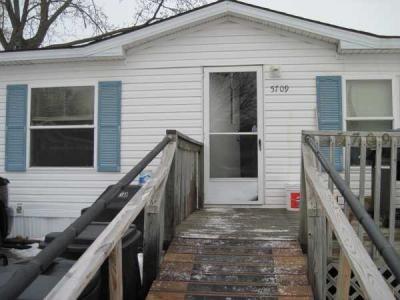 Mobile Home at 5709 N. Belleview Kansas City, MO 64118