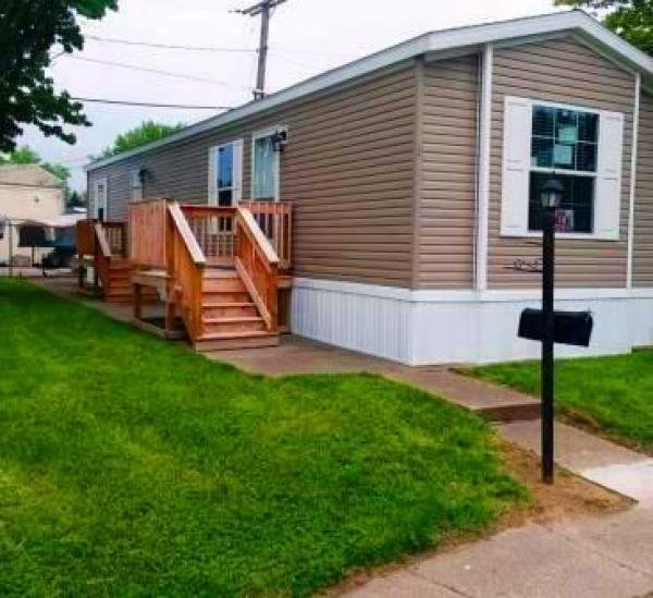 Mobile Home at 5315 Lewis Ave Lot 1, Toledo, OH
