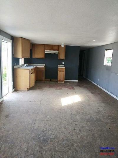Mobile Home at 617 Buckeye Lot #9 Laredo, TX 78046