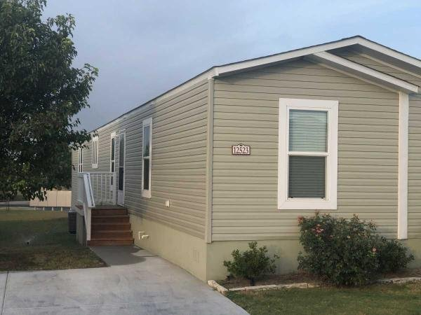 Mobile Home at 12523 Claremont Circle, Del Valle, TX
