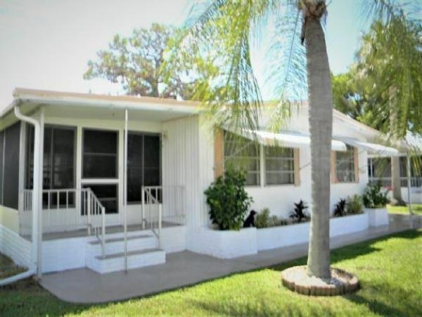 Mobile Home at 12617 Plumosa Drive, Fort Myers, FL