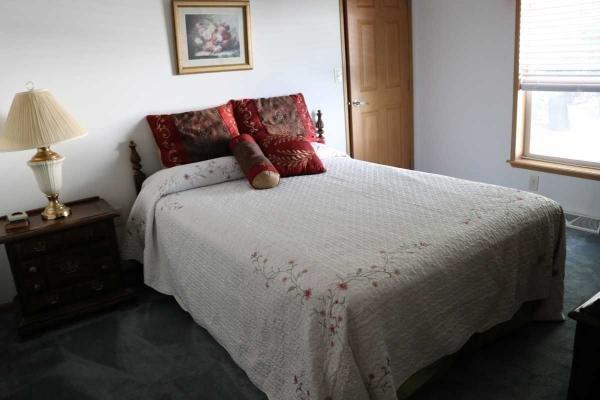 Excellent 3rd bedroom/den