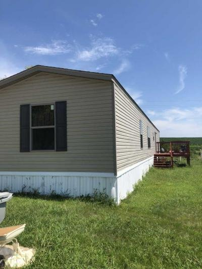 Mobile Home at 128 Autumn Hills Dr. Old Monroe, MO 63369