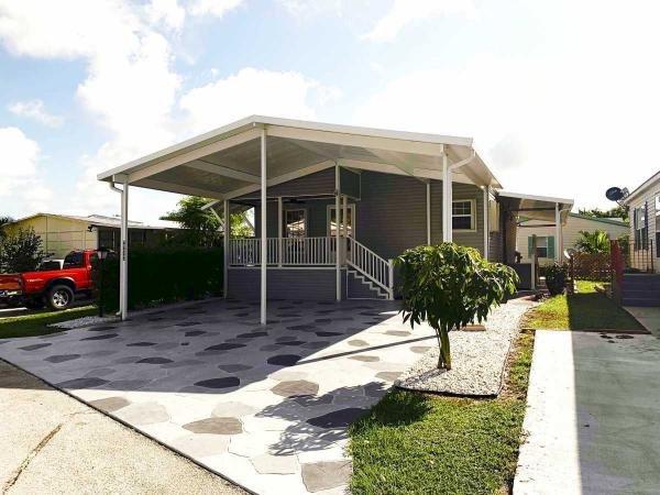 Mobile Home at 4666 Merle PL, Lake Worth, FL