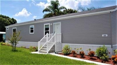 Mobile Home at 30700 US Highway 19 North, Lot 105 Palm Harbor, FL