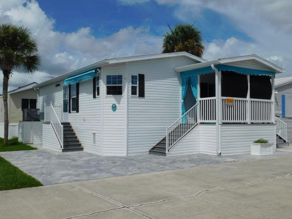Mobile Home at 284 Cuarto, Fort Myers, FL