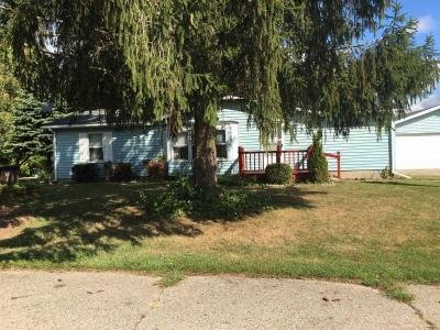 Mobile Home at 2199 Brent St Croswell, MI 48422