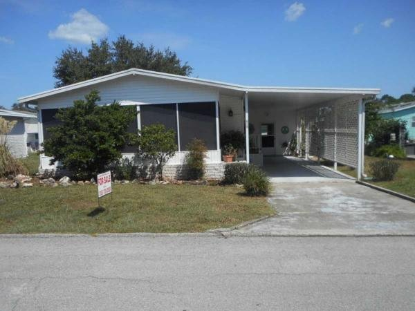 Mobile Home at 515 Camellia Dr, Fruitland Park, FL