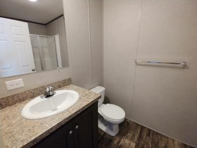 Mobile Home at 1083 East Park Drive Brookfield, OH