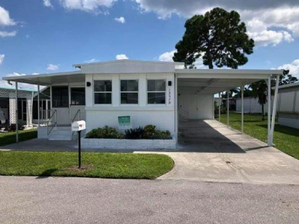 Mobile Home at 12579 Flamingo Drive, Fort Myers, FL