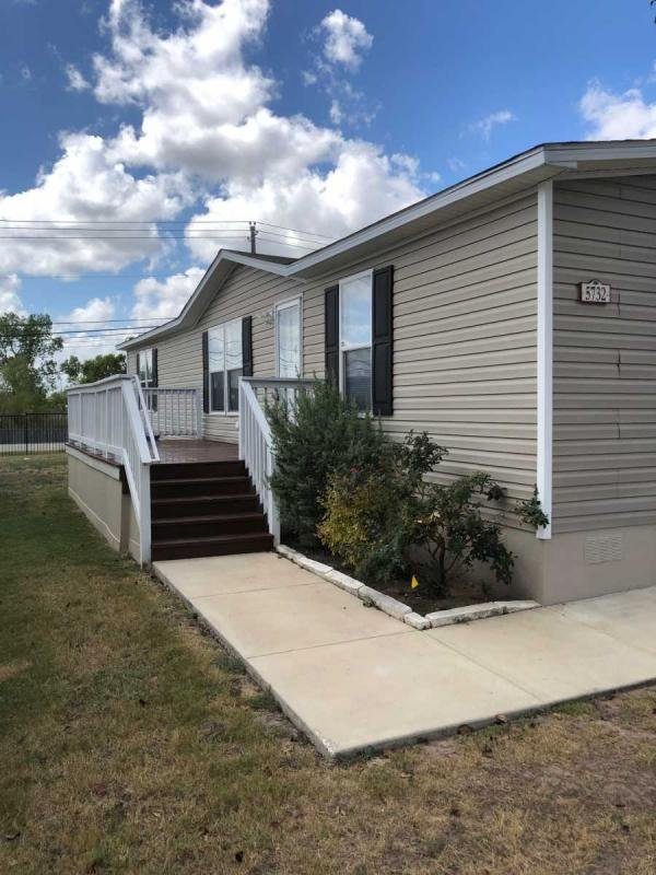 Mobile Home at 5732 Arcadia Cir, Del Valle, TX