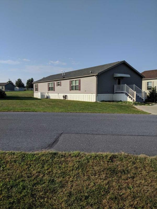 Mobile Home at 27 Daryl Lane, New Holland, PA