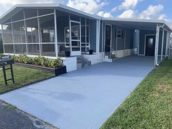 Mobile Home at 1811 Kingfisher Dr, Deerfield Beach, FL