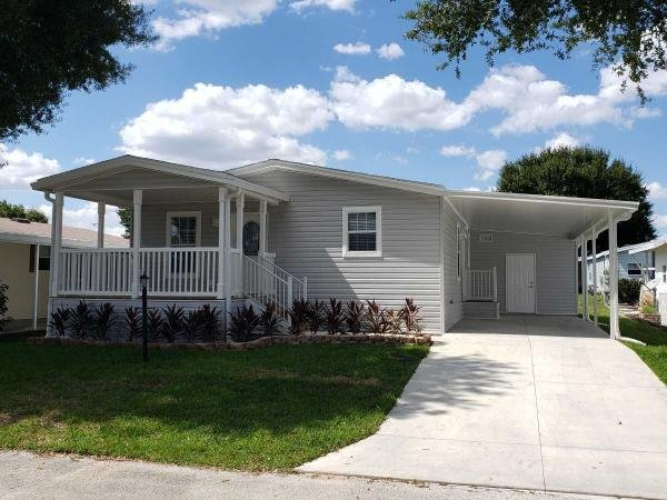 Mobile Home at 3520 Meteor Place, Valrico, FL