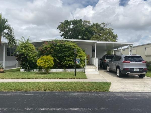 Mobile Home at 30 Holly Lane, Davie, FL