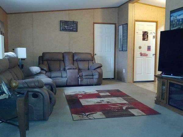 Mobile Home at 85 Jacqueline Dr, New Oxford, PA