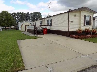 Mobile Home at 25144 Cheyenne Ave Flat Rock, MI 48134
