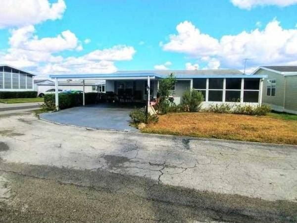 Mobile Home at 1701 W Commerce Ave Lot 266, Haines City, FL