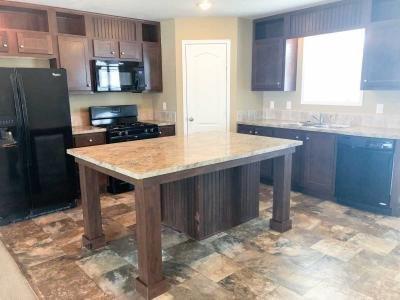 Mobile Home at 25368 Canyon Circle Flat Rock, MI 48134
