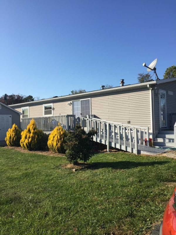 Mobile Home at 82 6 Point Ct, Honey Brook, PA