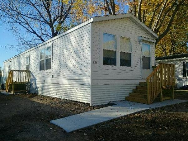Mobile Home at 856 Macbeth Cr, Lakeville, MN
