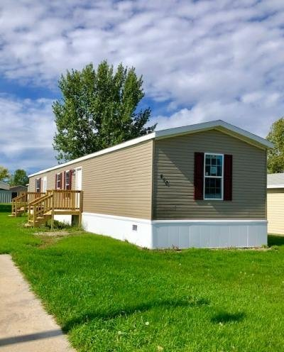 Mobile Home at 406 31st Avenue SE Minot, ND 58701