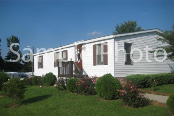 2005 FLEETWOOD Mobile Home For Sale