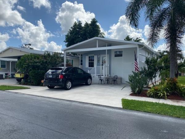 Mobile Home at 11 Banyon Lane, Davie, FL