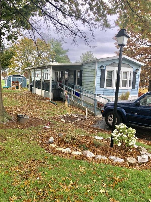Mobile Home at 32 Willow Tree Lane, Dover, PA