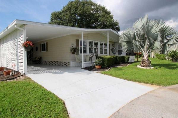Mobile Home at 6213 Clydebank Cir, Sarasota, FL