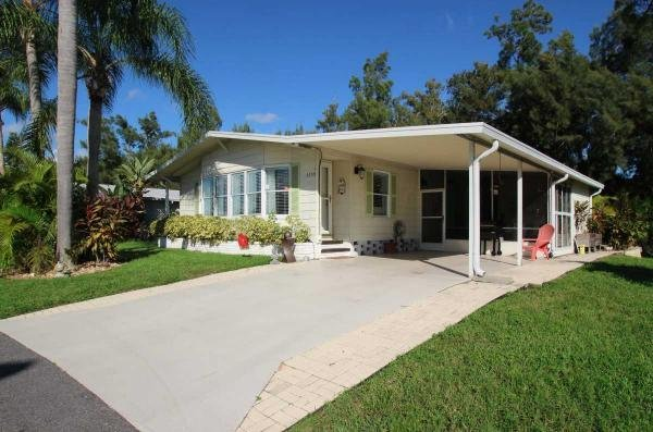Mobile Home at 5355 CamelotDr E, Sarasota, FL