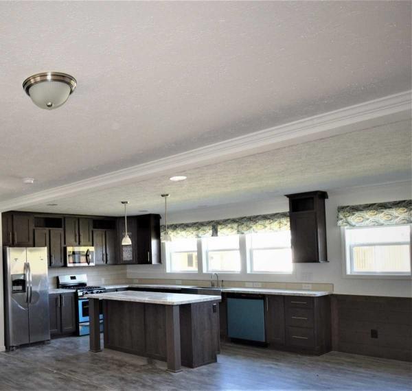 Mobile Home at 711 Northridge Drive, Carnegie, PA