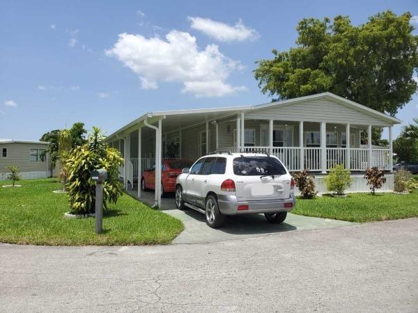 Mobile Home at 5021 SW 35th Street, Davie, FL