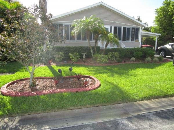 Mobile Home at 1154 West Lakeview Drive, Sebastian, FL