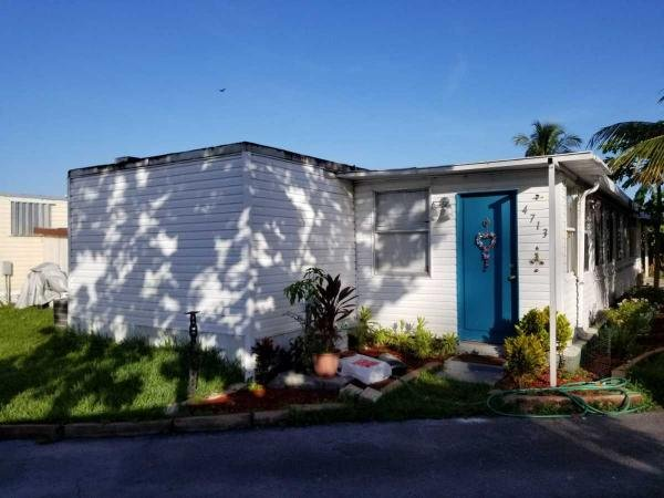 Mobile Home at 4713 SW 46th Way, Davie, FL