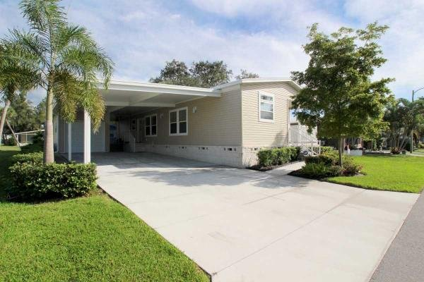 Mobile Home at 5341 Sudbury Pl, Sarasota, FL